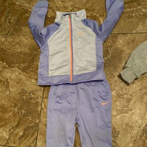 Baby Girl Clothes Size 24 Months/ 2T Bundle for Sale in San Bernardino, CA
