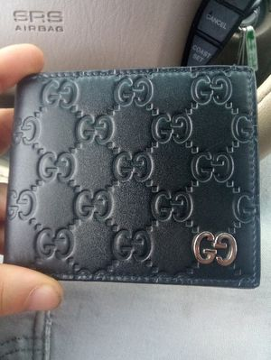 Gucci wallet for Sale in Wethersfield, CT