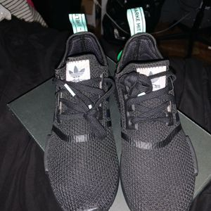 Adidas NMD R1 Mint Glow for Sale in Vacaville, CA