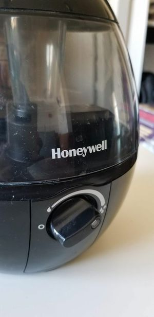 Honeywell humidifier for Sale in Frisco, TX