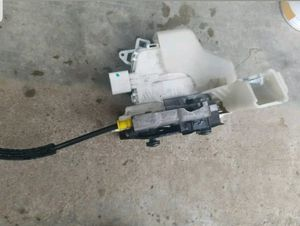 ✪ 2011 AUDI A4 2.0T FRONT DRIVER SIDE LOCK LATCH ACTUATOR OEM (8J1837015D) for Sale in Vancouver, WA