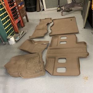 2009 Chevy Suburban Weather tech Floor Mats for Sale in Seekonk, MA