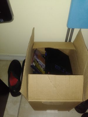 Ps2 with couple of games anf memeory card for Sale in Miami Gardens, FL