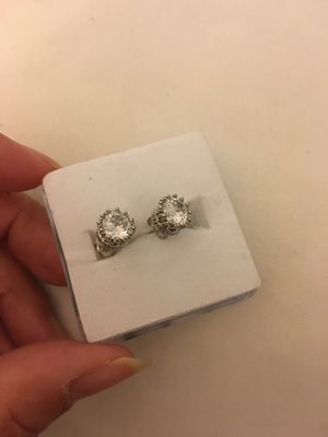 925 sterling silver zircon diamond crown small stud earrings for Sale in Nuevo, CA