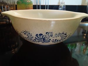Pyrex bowl for Sale in Aurora, CO