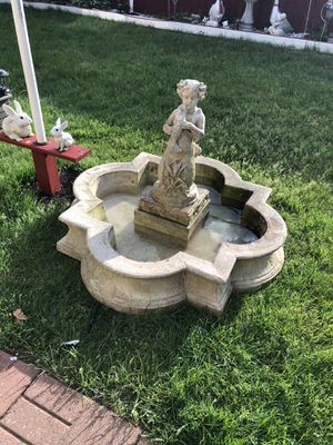 Fountain With Statue for Sale in Dearborn Heights, MI