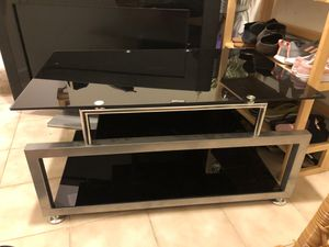 """TV stand, excellent condition """" Z-line """" brand for Sale in Daly City, CA"""