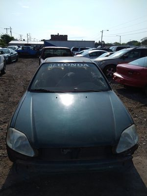 Parting Out This: 2000 Green Honda Civic DX for Sale in Lorain, OH