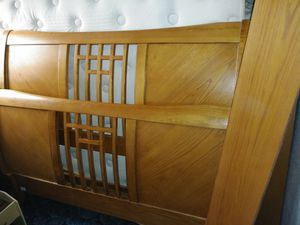 Queen bed frame for Sale in Mills, WY
