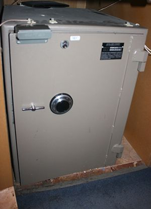 Safe for sale, great size, SECURE YOUR THINGS! for Sale in Portland, OR