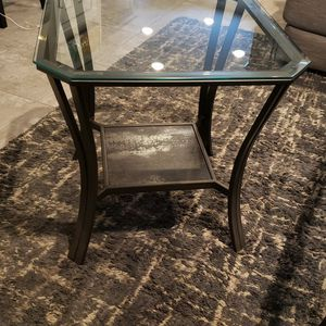 End Table for Sale in Oldsmar, FL