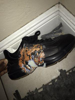 Gucci tiger sneakers size 8 for Sale in Miami Gardens, FL