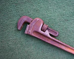 """12"""" pipe wrench for Sale in Queens, NY"""