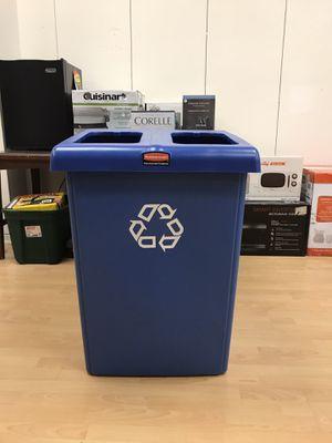 NEW Rubbermaid Two Bin Recycling/Trash Station for Sale in Bessemer, AL