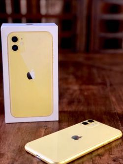 Apple Iphone 11 Yellow for Sale in Traverse City,  MI