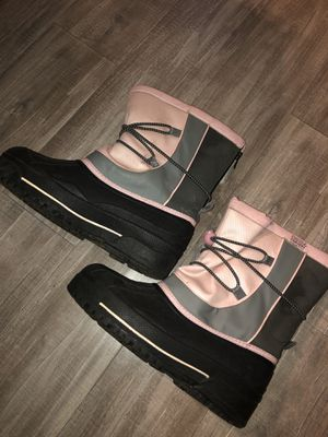 Girls snow boots size 4 for Sale in San Jose, CA