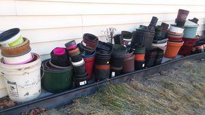 FREE. Gardening Pots for Sale in Spokane, WA