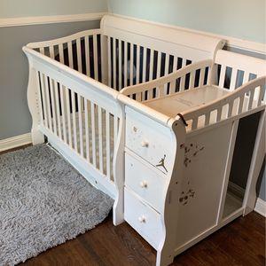 Crib for Sale in Long Beach, CA