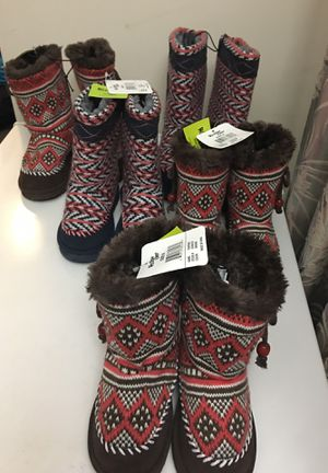 Western Chief Kids Girls' Fashion Pull-On Plush Boot for Sale in South Windsor, CT