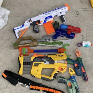 Toy Nerf Gun Bundle (NOT SEPERATING) for Sale in Bakersfield, CA