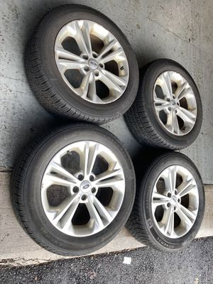 Tires and rims 235/55/18 Ford Taurus for Sale in Braintree, MA