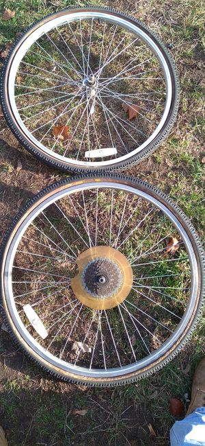 Mountain bike crank tires and rims and more for Sale in Woonsocket, RI