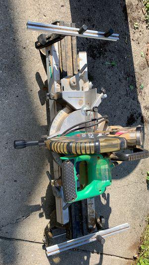 Hitachi C10CFH chop saw and stand for Sale in Tonawanda, NY