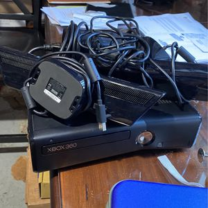 Xbox 360 With Connect And Tons Of Games for Sale in Middlebury, CT