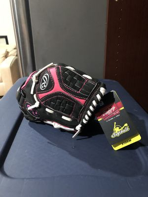 RAWLINGS Storm Youth Softball Glove 10 1/2 in for Sale in Miami, FL