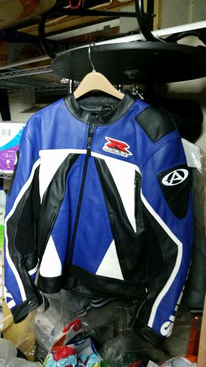BRAND NEW LEATHER SUZUKI MOTORCYCLE JACKET for Sale in Waretown, NJ