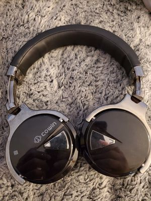 Cowin E7 Noise Canceling headphones for Sale in Encinitas, CA