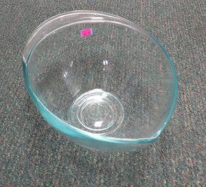 2.5 QT Pyrex Mixing Bowl for Sale in Burlington, NC
