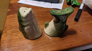Vintage bass salt and pepper shaker for Sale in CORNWALL Borough, PA