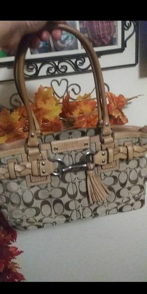 Brown coach purse for Sale in Montclair, CA