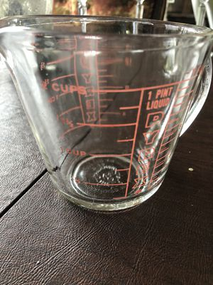 2C Pyrex measuring cup for Sale in Sonoma, CA