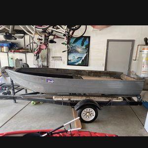 1979 Lund Aluminum Fishing Boat. NO TRAILER INCLUDED. for Sale in Hughson, CA