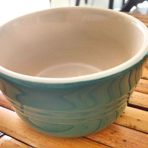 LE CREUSET Green Round Ramekin for Sale in West Palm Beach, FL