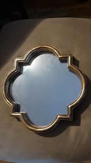 """Gorgeous vintage gold frame small wall mirror. 10""""×10"""". BEST OFFER!! PRICE IS NEGOTIABLE!! for Sale in New York, NY"""