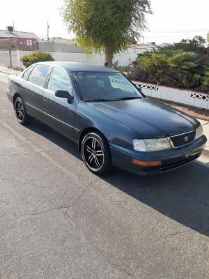 96 Toyota Avalon for Sale in Las Vegas, NV