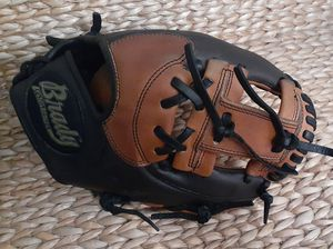 "11"" infielders Baseball Glove for Sale in San Diego, CA"