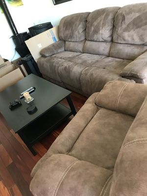 Recliner Couch for Sale in Los Angeles, CA