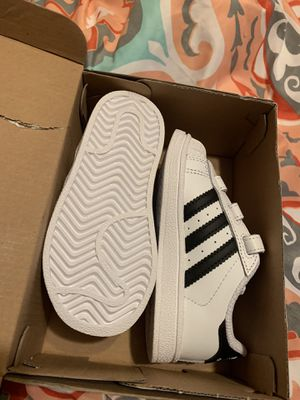 Adidas toddler girl shoes for Sale in Orlando, FL