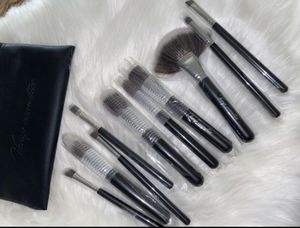 Makeup brushes set for Sale in Santa Fe Springs, CA