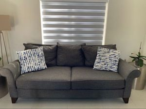 Couch 🛋 nice for your home or office ready to be used very clean for Sale in Miami, FL