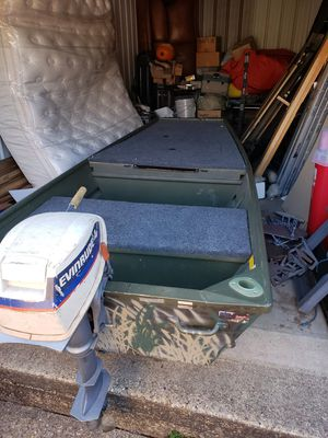 10' Alumicraft Jon boat and 4hp Evinrude motor for Sale in Duncanville, TX