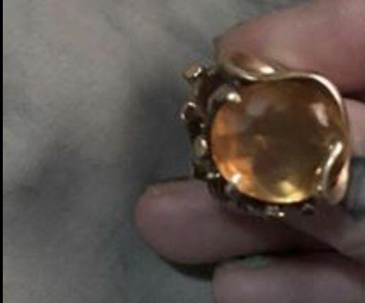 10k topaz ring size 8 women's