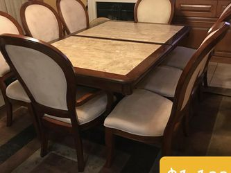 Beautiful Dinning Table. In Great Conditions. for Sale in West Covina,  CA