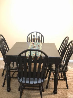 Dining table with 6 chairs for Sale in Collierville, TN