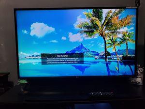 40 inch LG smart TV for Sale in Battle Creek, MI
