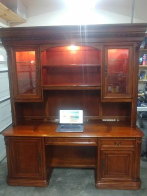 Hooker executive desk and hutch for Sale in Franklin, TN